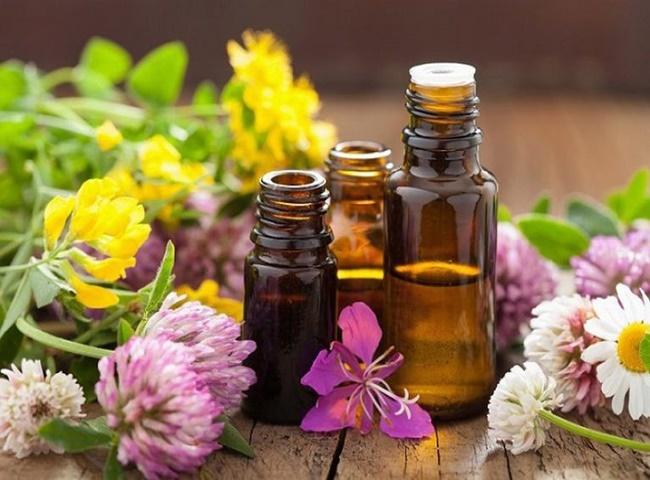 Xử lý bồn cầu bốc mùi hôi mỗi lần xả bằng tinh dầu